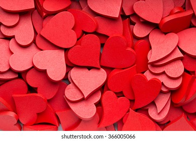 More small red hearts background.