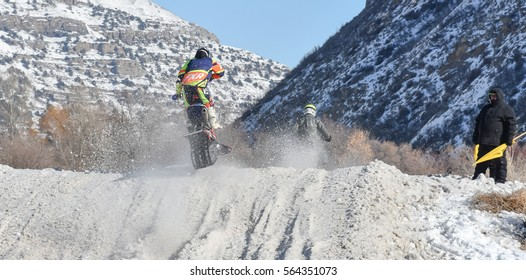 Morgan, Utah, USA. 1/14/2017. Racers compete in the AMA Championship Snow Bike Series, Round 2.