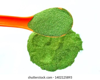Moringa leaf powder image, healthy and organic moringa leaves powder. It's a very nice natural superfood and most nutritious