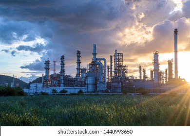 Oil​ and​ gas​ refinery​ plant​​ with​ morning, natural​ gas​ storage​ tank​ in​ petrochemical​ industrial​