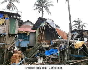 Morning after Super Typhoon Yolanda/Haiyan hits Panay island in the Philippines with horrible destruction