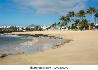 Morning ebb on the beach in Costa Teguise.