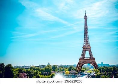 Morning mood, Eiffel Tower, Champ de Mars, Paris, Ile-de-France, France seen from Trocadero