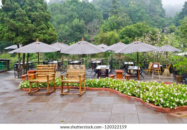 Morning of the seating area to eat. Surrounded by refreshing nature. In the high valleys. Thailand