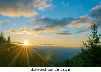 Morning sunrise over the Oconaluftee Valley in the Great Smoky M