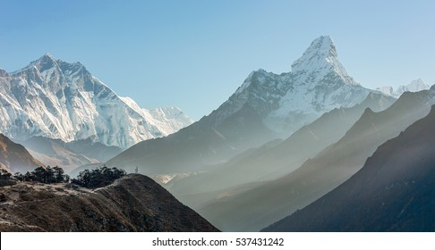 Morning view of the Ama Dablam (6814 m) - Nepal, Himalayas