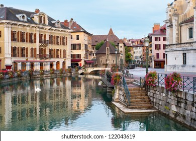 Morning view of Annecy and Palais de l'Isle in september.
