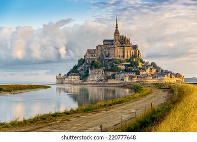 Morgenblick auf den Mont Saint-Michel - Frankreich