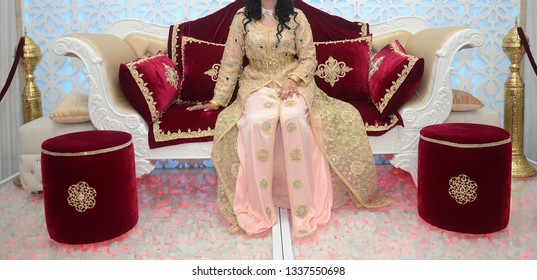 Moroccan bride dress on wedding day