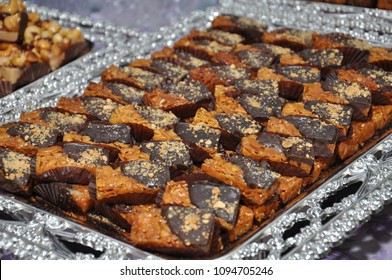 Moroccan candy with chocolate and caramel. Offers in weddings and events
