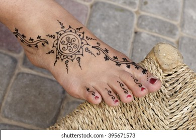 Henna Tattoo Images, Stock Photos & Vectors | Shutterstock