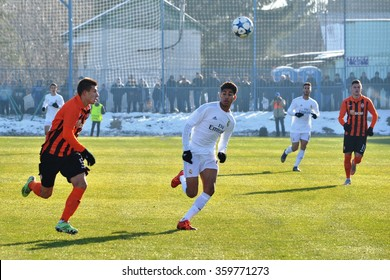 MORSHUN, UKRAINE - OCT 25: Achraf Hakimi (C) in action during the UEFA Youth Champions League match between Shakhtar vs Real Madrid (U19), 25 October 2015, Ukraine