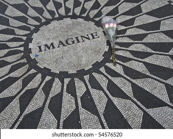 mosaic for John Lennon at the Strawberry fields in Central Park