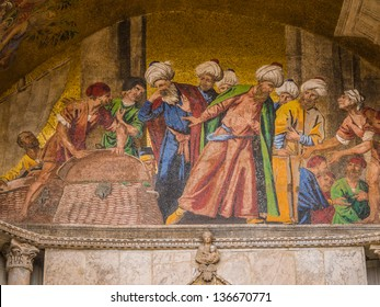 Mosaic at St. Mark's Basilica in Venice depicting the recovery of St. Mark's body in Alexandria in 828 AD