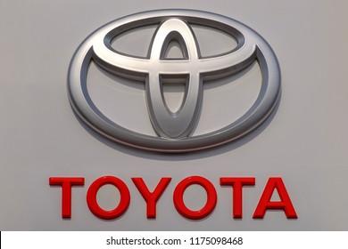 """Moscow - 08 september 2018: Toyota logo on building of toyota centre """"Izmailovo""""."""