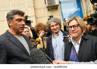 MOSCOW - AUG 31: Boris Nemtsov (L) russian statesman, one of the leaders of opposition during rally to support the 31st article of Constitution -right to peaceful assemblies, Aug 31, 2010 in Moscow.