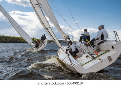 Moscow , August 24 : Team athletes participating in the sailing competition - regatta , held in Moscow on Pirogov Reservoir August 24, 2016