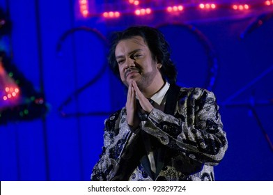 MOSCOW - DECEMBER 26 : Russian Singer Philipp Kirkorov on New Year performance on December 26, 2011. Moscow, Russia
