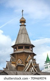Moscow, Details of the Izmailovo Kremlin, Kremlin towers, city, architecture, wooden buildings, day, summer, on the street, August 27, 2017