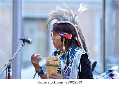 MOSCOW - JULY 17: Native American Indian tribal group play music and sing in the street for tourists on July 17.2013 IN Moscow, Russia