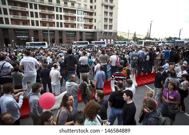 """MOSCOW - JULY 18: People in Moscow came to a mass-meeting for support of Alexey Navalny after trial in Kirov in the matter of """"Kirovles"""" in 18 july 2013"""