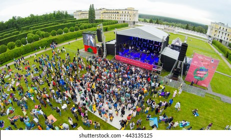 """MOSCOW - JUNE 4: People attend open-air concert on International Jazz Festival """"Usadba Jazz"""" in Archangelskoye Museum-Mansion on June 4, 2016 in Moscow"""