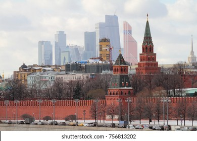 "The Moscow Kremlin against the background of ""Moscow City"""