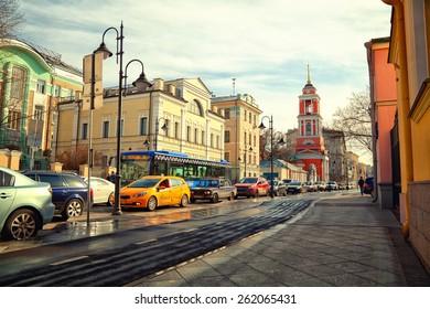Moscow - march 18: Pyatnitskaya Street, the historic center. Zamoskvorechie. Traffic jam. Russia, Moscow, march 18, 2015