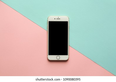 Iphone 7 Desk Images, Stock Photos & Vectors | Shutterstock