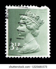 MOSCOW, RUSSIA - FEBRUARY 14, 2019: A stamp printed in United Kingdom shows Queen Elizabeth II - Decimal Machin serie, circa 1974