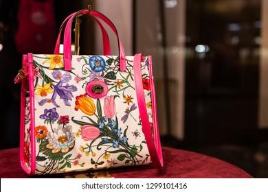 4c3c7e84693f Gucci Handbag Images