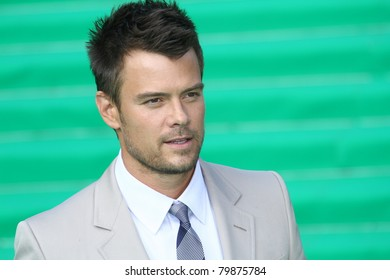 MOSCOW, RUSSIA - JUNE 23:  Josh Duhamel arrives at the premiere of the 'Transformers: Dark of the Moon' during the 33rd Moscow  Film Festival at Pushkinskiy Theatre on June 23, 2011 in Moscow, Russia
