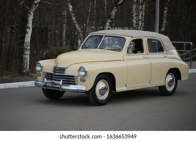 MOSCOW, RUSSIA - MARCH 10, 2014: GAZ-M20 'Pobeda' Cabriolet old Soviet Russian 1940s car made in USSR