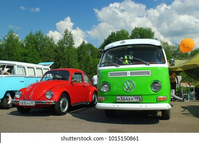 MOSCOW, RUSSIA - MAY 28, 2016: Classic Volkswagen Beetle and Volkswagen Transporter T2 (Type 2) at the VW Car Festival