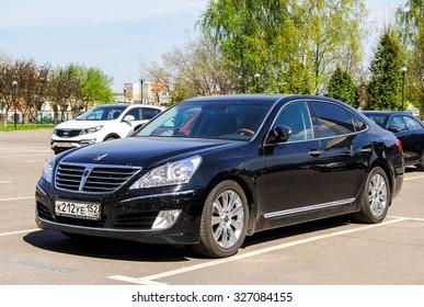 MOSCOW, RUSSIA - MAY 9, 2013: Motor car Hyundai Equus at the city street.