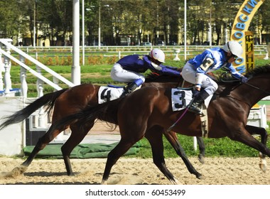 "MOSCOW, RUSSIA - SEP 5: The race for the prize ""Winter favorite"" for horses of 2-th years. Distance of 1600 meters Central hippodrome, September 5, 2010 in Moscow, Russia"