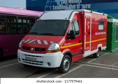 MOSCOW, RUSSIA - SEPTEMBER 2, 2006: Fire engine truck Renault Trafic at  Moscow International Motor Show.
