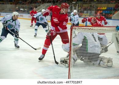 MOSCOW, RUSSIA - SEPTEMBER 27, 2016: Forward Ryan Stoa (94) on hockey game Spartak (Moscow) vs Yugra (Khanty-Mansiysk) on Russia KHL championship in sports complex Luzhniki Moscow, Russia. Ugra won