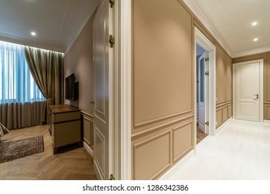 Moscow, Sadovo-Chernogryazskaya str. - January 12, 2019: photographing the interior of a two-room apartment.
