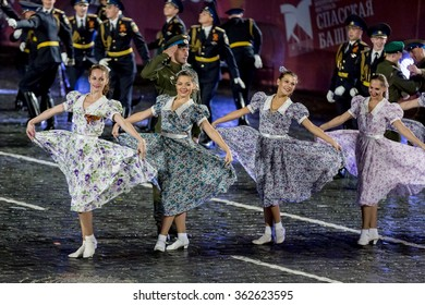 """MOSCOW - SEPTEMBER 08, 2015: international festival of military orchestra """"Spasskaya tower"""", honorary presidential regiment, military dance. Russia."""