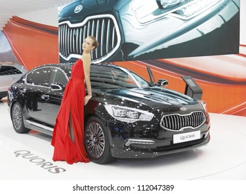 MOSCOW-SEPTEMBER 3:The European premiere of KIA  QUORIS at the Moscow International Motor Show on September 3,2012 in Moscow