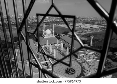 mosque in frame