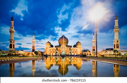 Mosque An Nuur, The Great Mosque of Pekan Baru, Riau, Indonesia