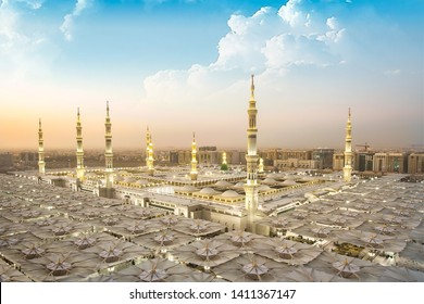 The mosque of the Prophet in Saudi Arabia, Medina. It is one of the largest mosques in the world. After Mecca, it is the second most holy mosque in Islam. Saudi Arabia, Medina. 16.05.2018
