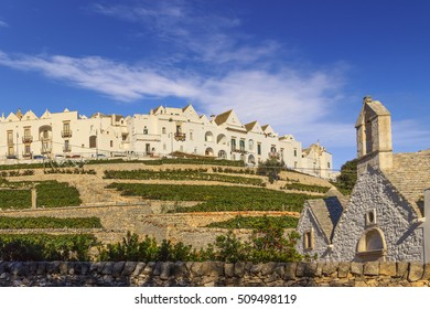 The most beautiful Old Towns in Italy: Locorotondo, laid on the top of a hill, has one of the most suggestive skylines of Apulia.