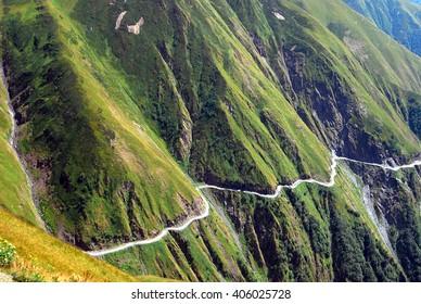 Najbardziej niebezpieczna droga na świecie. Omalo w Tusheti, Gruzja, Europa