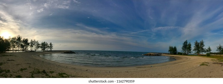 The most popular beach in Narathiwat, Naratat Beach where we can relax, sit with the sae breze. How wonderful day quality spend in Narathiwat. Forget the bad news, enjoy the sae!