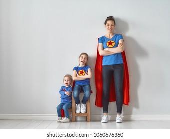 Superhero nude moms, matumuscular nude women