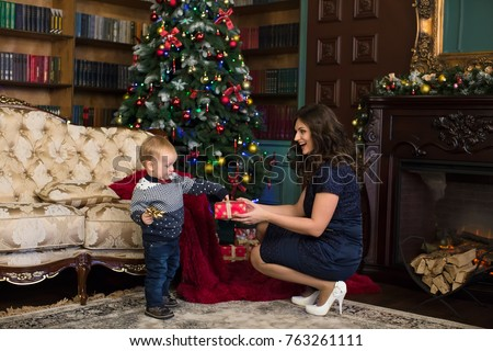 Christmas gifts son to mother