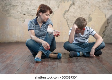 Mother and son - teenager. Difficult Conversation
